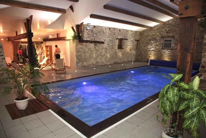 Gite avec piscine int rieure priv e r serv e aux vacanciers Camping ouvert toute l annee avec piscine couverte